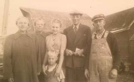 Nettie, Ida, two youths unkown, Pauli and unkown